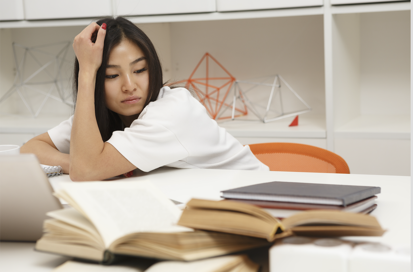 Teenager studying screen shot